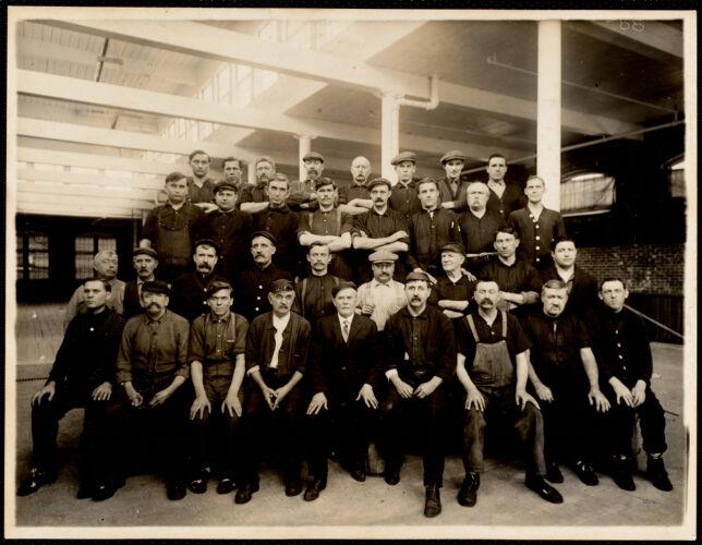 Group in warp dyehouse