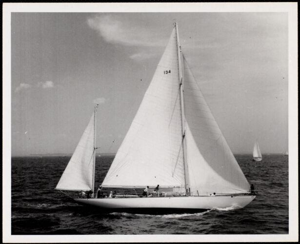 """1966 - Newport - Bermuda Race No. 134 - yawl - """"Bolers"""" Class A"""
