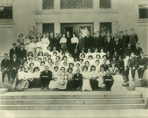 Lawrence High School, class of 1907