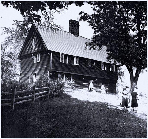 Parson Capen House open for docent tour