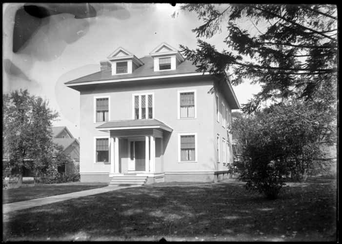 Flagg house 666 State St.