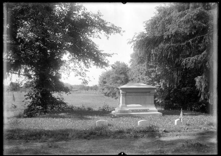 Wolcott, cemetery monument