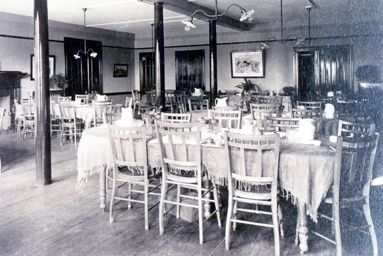 Crocker Hall Dining Room, c. 1890