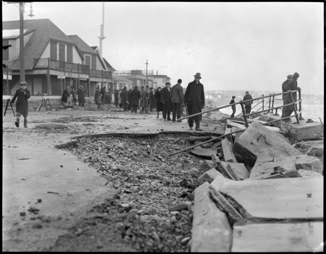 Aftermath of storm, Shore Drive, Winthrop