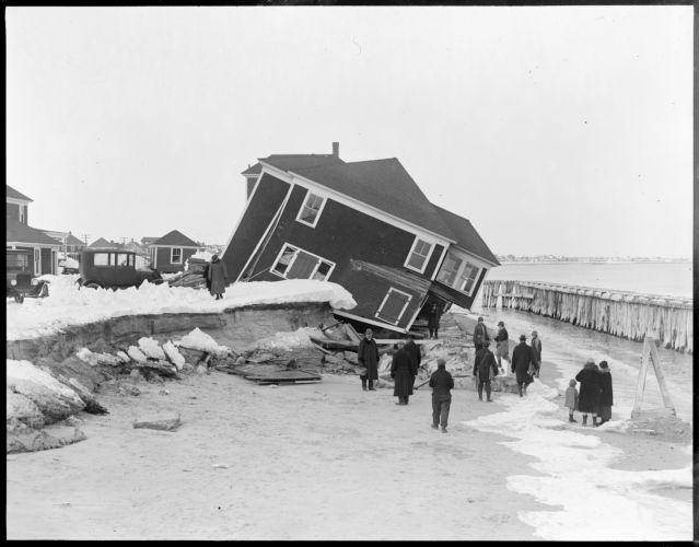 Wrecked house, Hampton Beach, N.H.