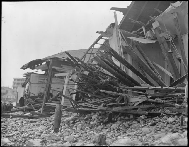 Storm destroys cottages at Roughan's Point, Beachmont, Revere