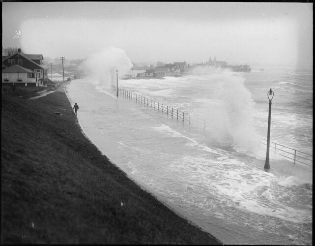 Storm raises havoc along Beachmont shore