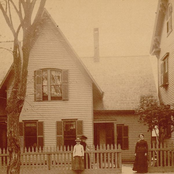 View of house at corner of Hampshire and Lowell street, Lawrence, Mass., torn down in 1910.