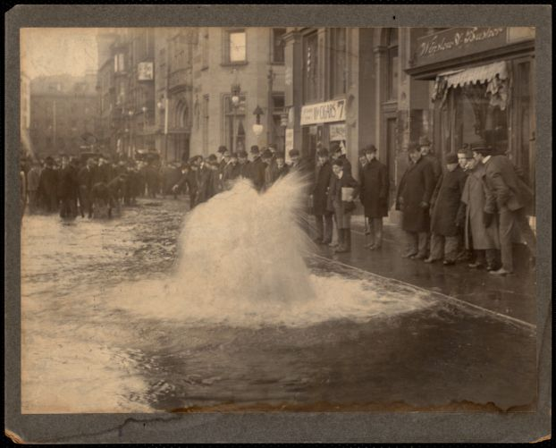 Distribution Department, break in pipe, Mass., ca. 1900-1919