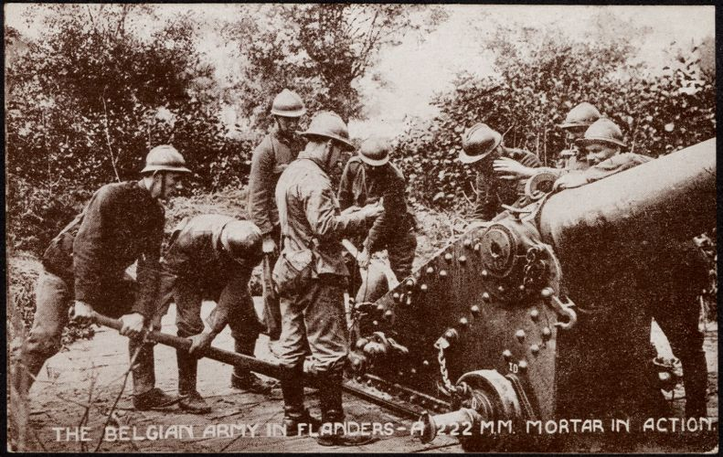 The Belgian Army in Flanders - A 222 mm. mortar in action