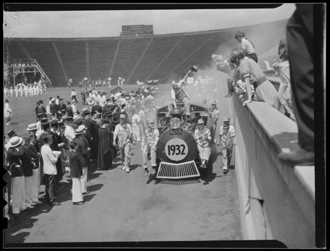 1932 class train in Harvard Stadium