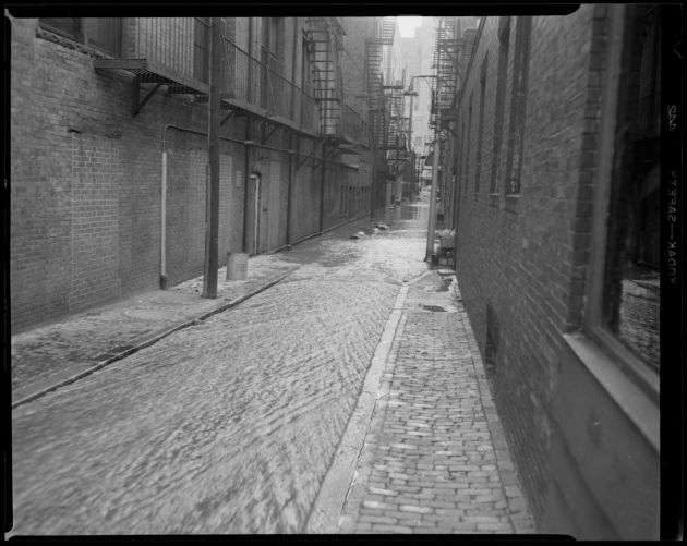 Alley in Back Bay