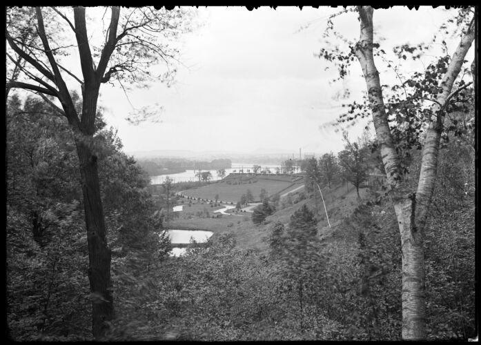 Forest Park, river, Mount Tom