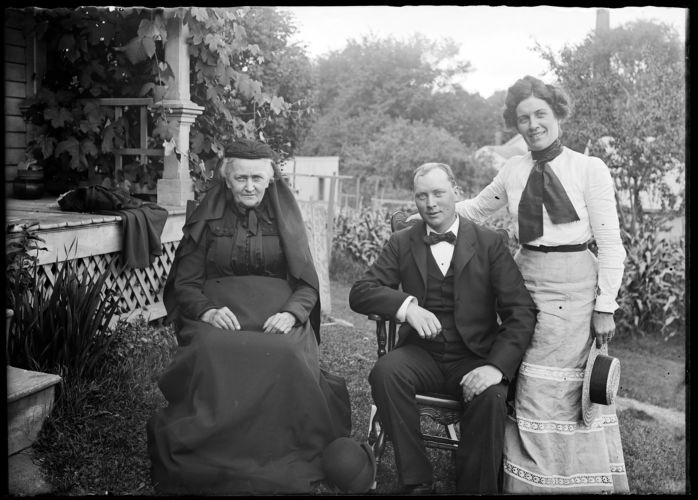 Albert Plante, wife and mother