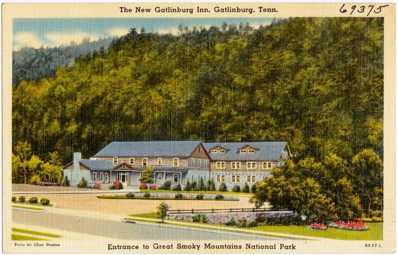 The new Gatlinburg Inn, Gatlinburg, Tenn., entrance to Great Smoky Mountains National Park