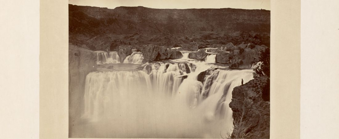 Shoshone Falls, Snake River, Idaho, full lateral view on upper level