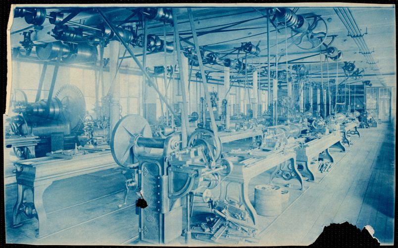 Lower Pacific Mills, milling room