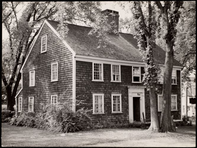 John Howland House (1666) Plymouth, Mass This house is the oldest in Plymouth built in 1666, is the only one still standing that was used by Pilgrims.