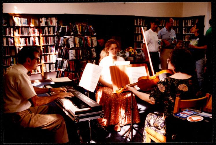 Newton Free Library, Newton, MA. Programs, patrons, staff. Auburndale reopens