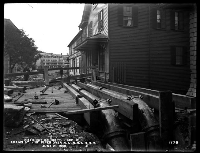 Distribution Department, Southern High Service Pipe Line, Section 21, Adams Street, two 16-inch pipes over New York, New Haven & Hartford Railroad, Dorchester, Mass., Jun. 21, 1898
