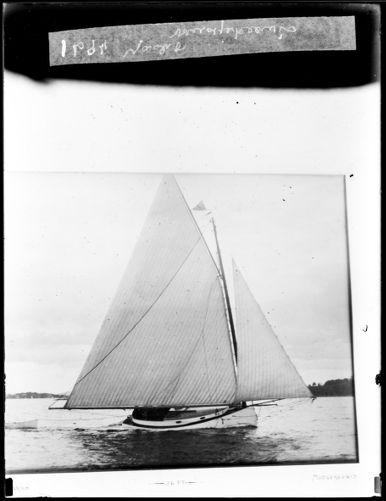 Yacht Mudjekeewis