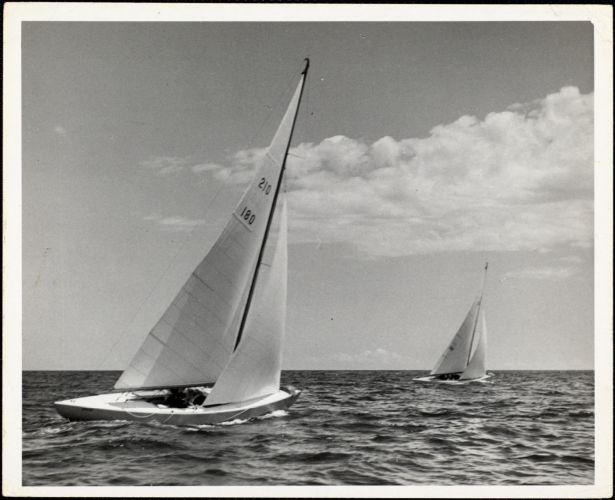210 class boats