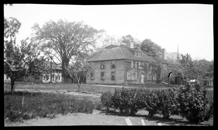 Bildad Washburn Tavern, 234 Main Street