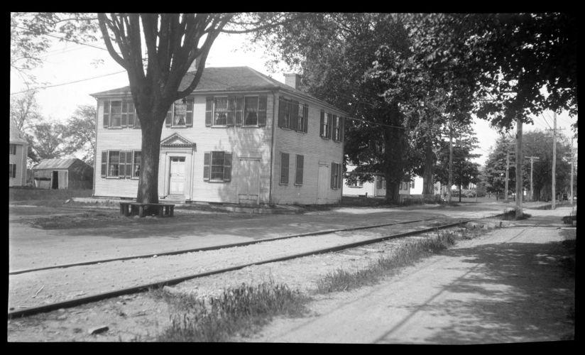 Joseph Holmes House, 232 Main Street