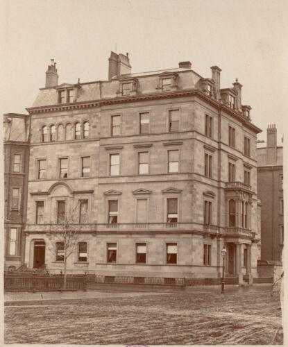 Residence of N. Reggio and N. Matthews