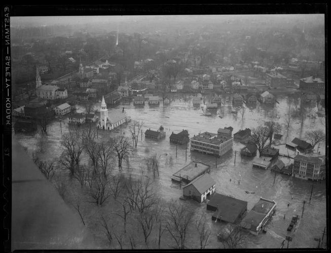Aerial photos, New England flood
