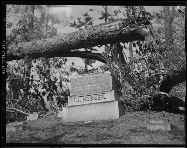 Cemetery destroyed, Hurricane of 38