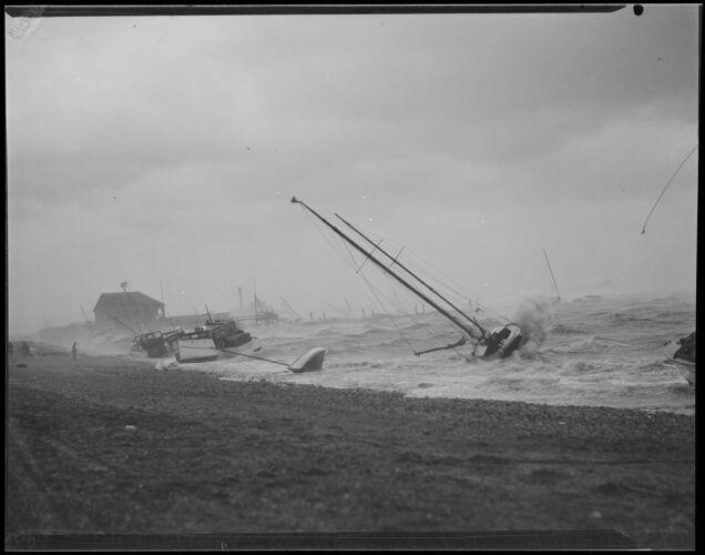 Hurricane hits, Dorchester
