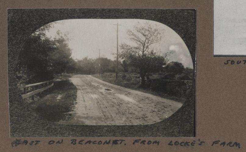 Waban photographs - East on Beacon Street from Locke's Farm -