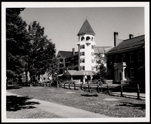 Woodstock, VT - village green Woodstock Inn -