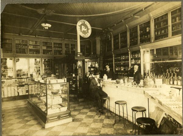 Bardwell's Drug Store