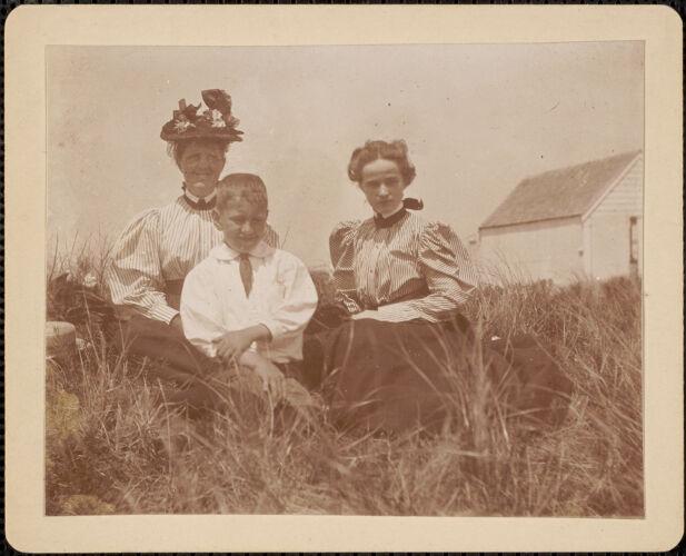 Sarah M. Loppan, Elizabeth L. Perry, Cushing Loppan, Gay Head, 1894
