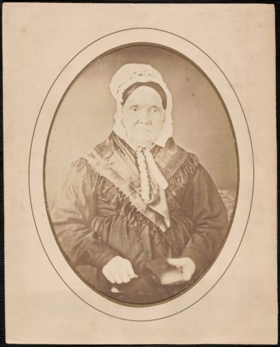 Mrs. Anna Harris, daughter of Edward Toppan, born in Newbury, Mass. May 1st 1761, died Dec. 22 1860, aged 99 years 7 mo, 22 days