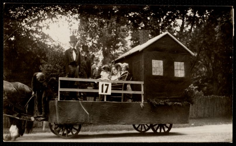 1922 4th of July Parade: Hawthorne's Little Red House float