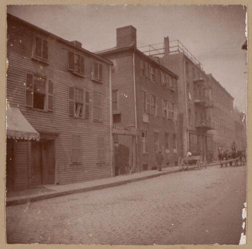 Boston, Porter House, Prince St., British Barracks