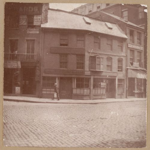 Boston, Capen House, Union Street, Count Rumford apprenticed here in 1769.