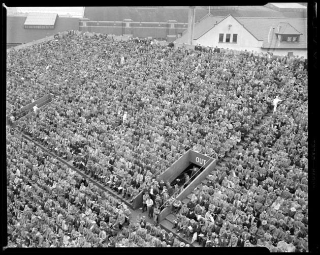 Big crowd at Braves Field